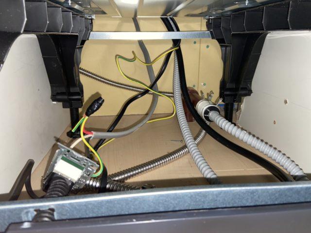 食洗機用給水、排水、電源