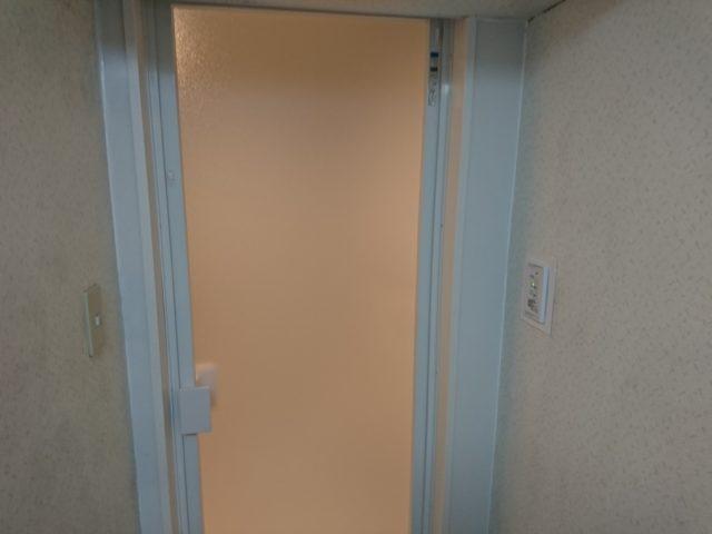 浴室開き扉