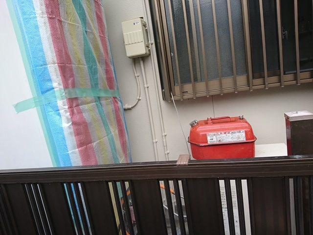 既設電気温水器と石油の給湯器仮設置
