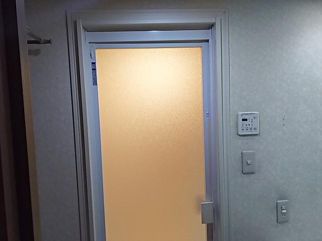 すっきり開き戸