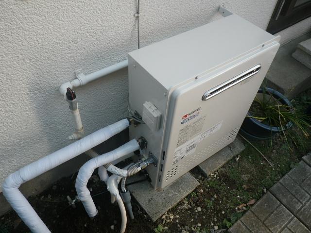 神奈川県藤沢市給湯器工事 キーンと音がする給湯器の取替工事