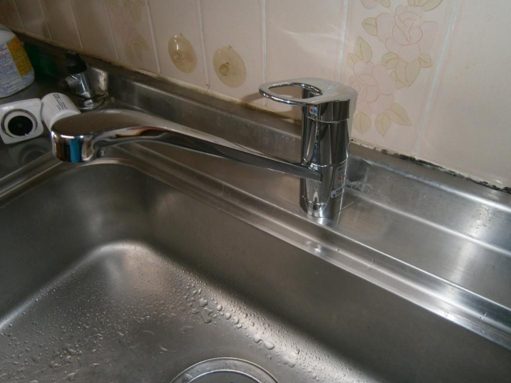 半田市 キッチン水栓取替工事
