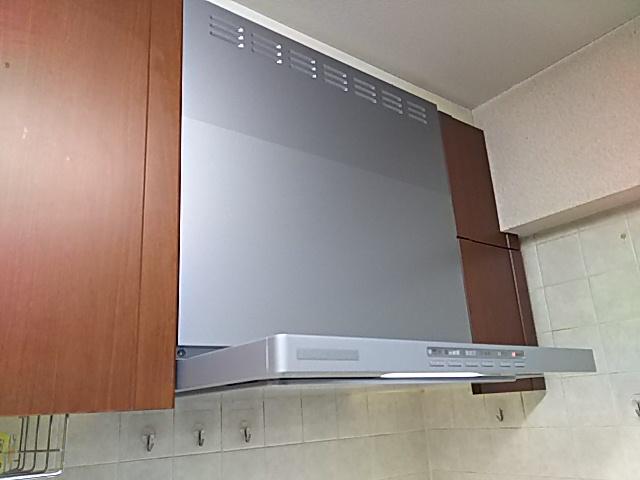 東京都板橋区レンジフード取替工事(リンナイOGR-REC-AP601LSV)