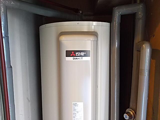東京都中央区電気温水器交換工事(三菱SRG-375G)