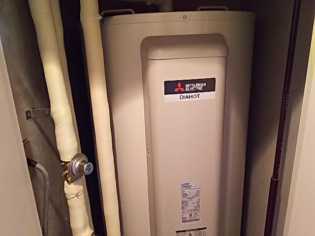 座間市電気温水器交換工事(三菱SRG-375G)