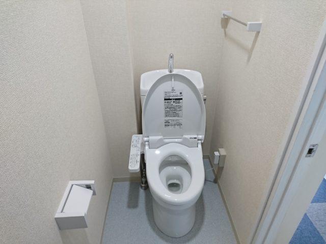 大垣市和式トイレから洋式トイレ工事(TOTO ピュアレストQR ウォシュレットSB)